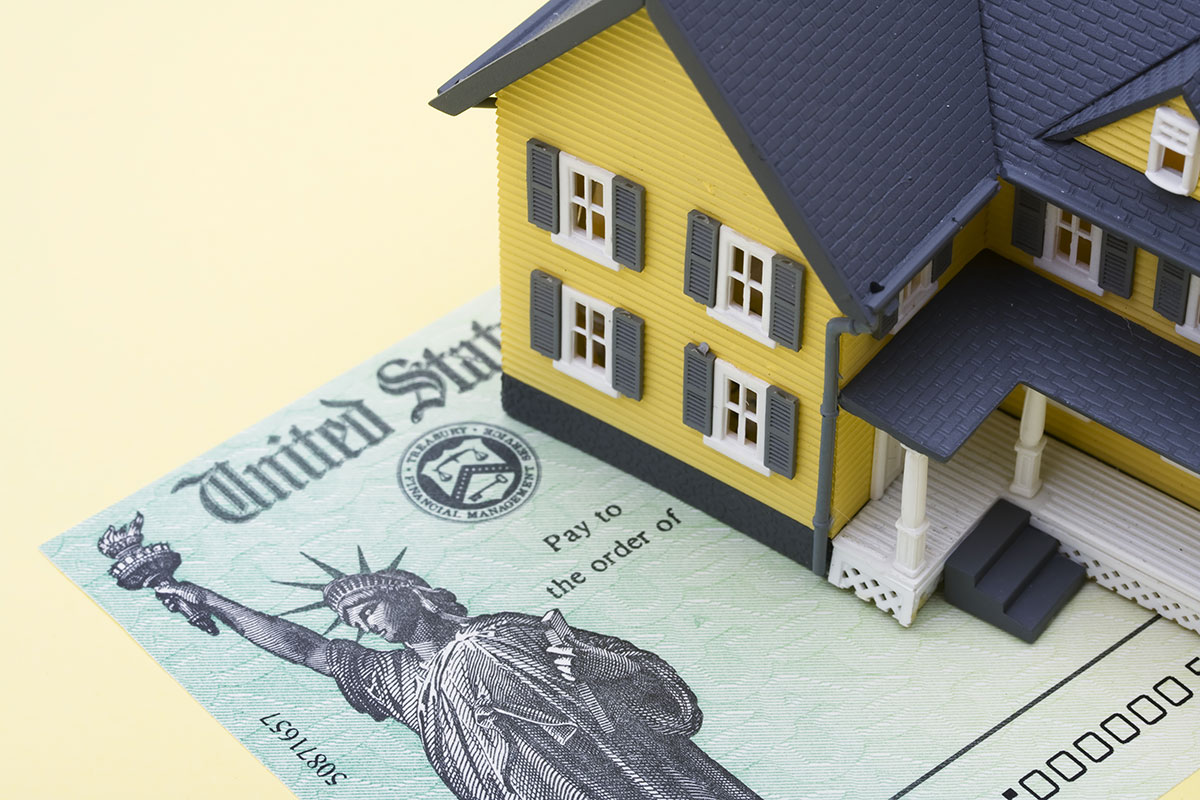 What Real Estate Business Expenses Are Tax Deductible?